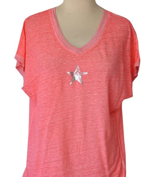 2-Textured star motive v-neck t-shirt