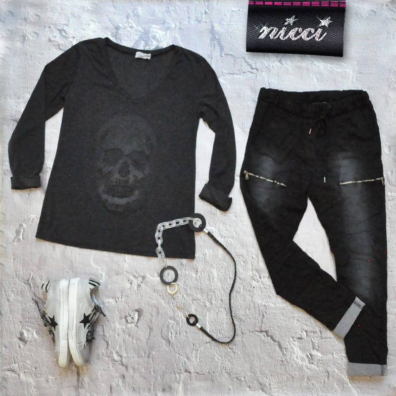 Self colour skull top