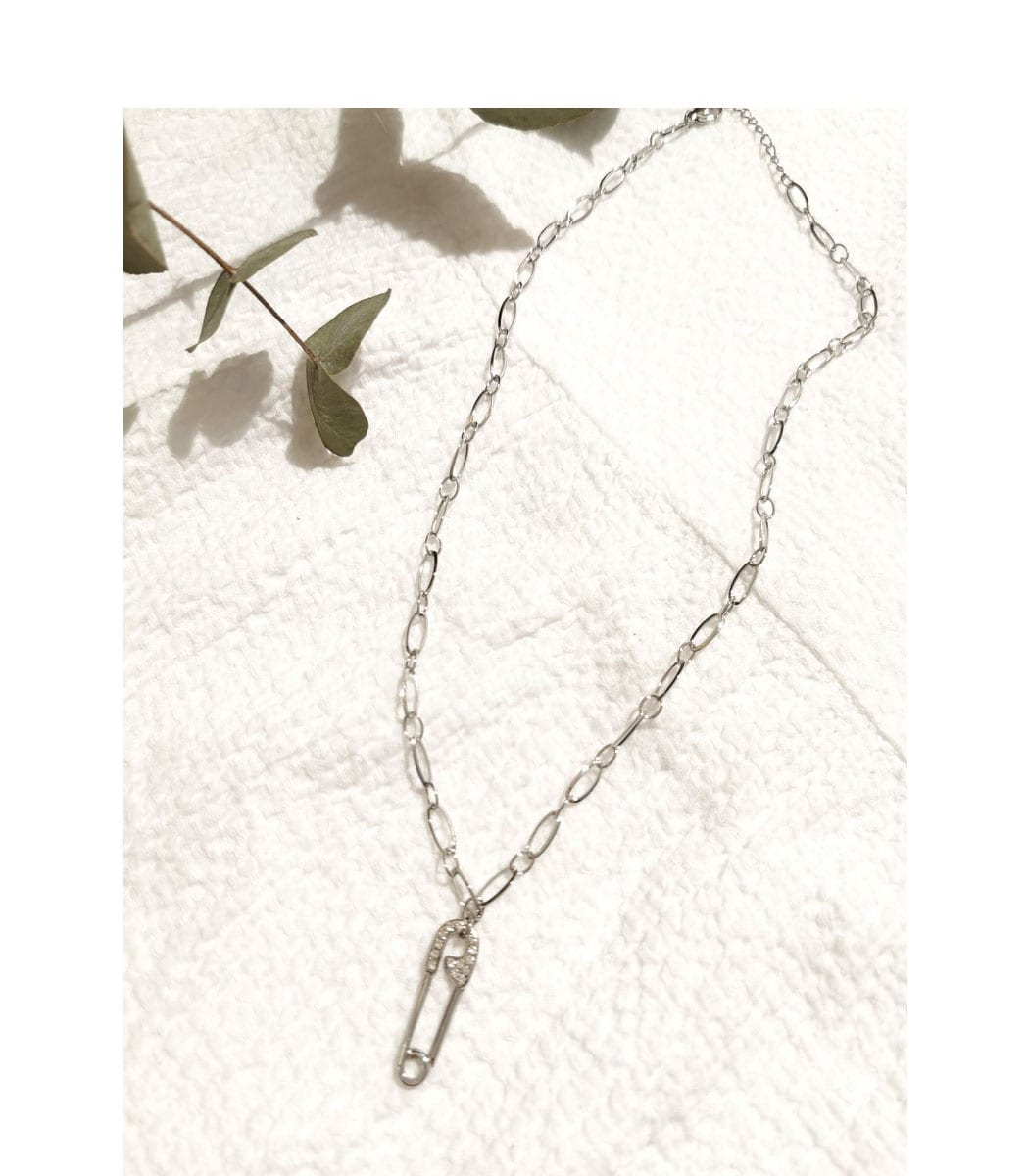 Safety pin link necklace