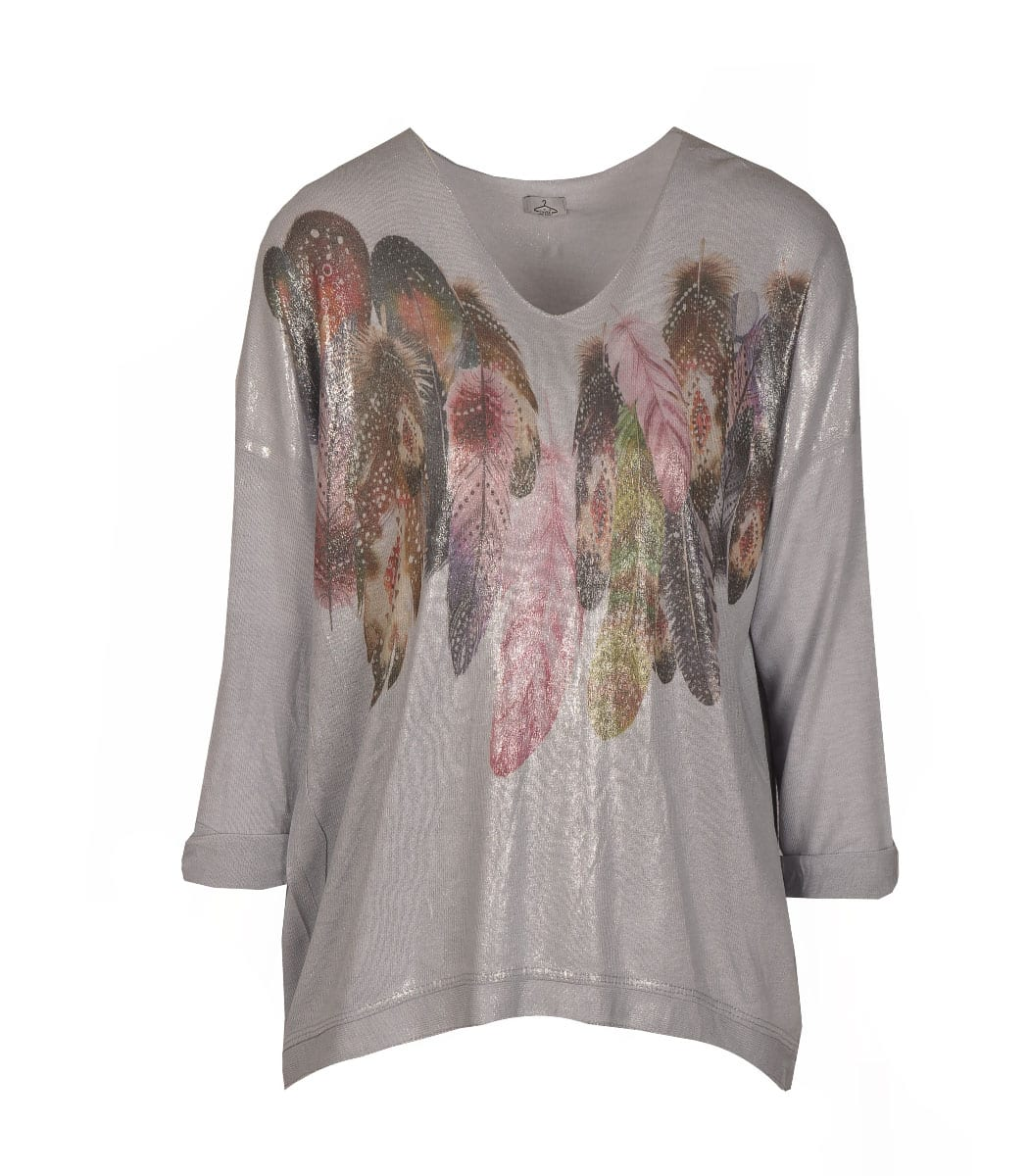 Giant feather print top